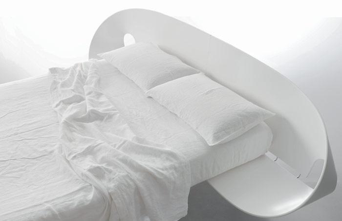 designová postel Infolio