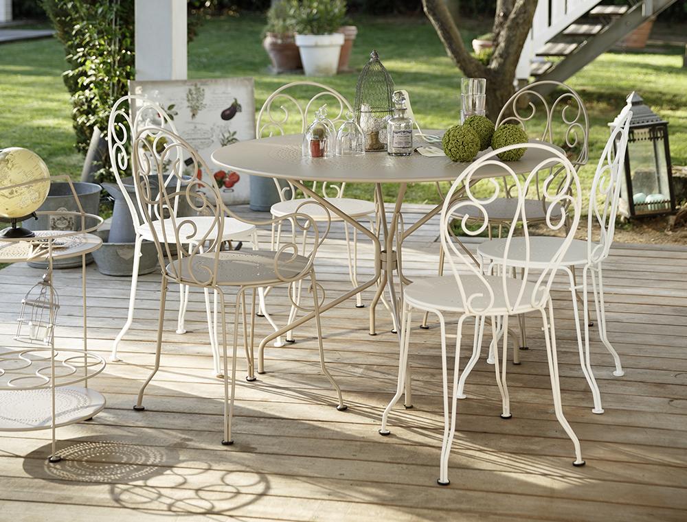 prenosny-barovy-stolek