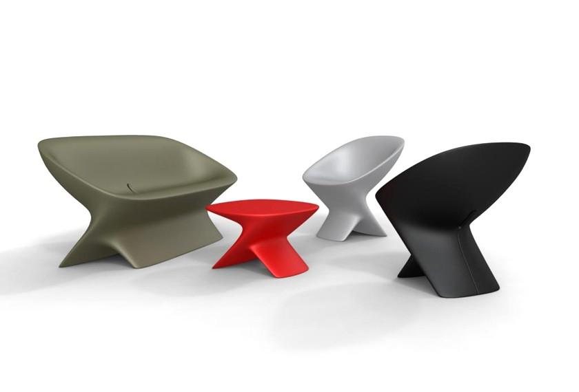 odkládací stolek z recyklovatelného plastu